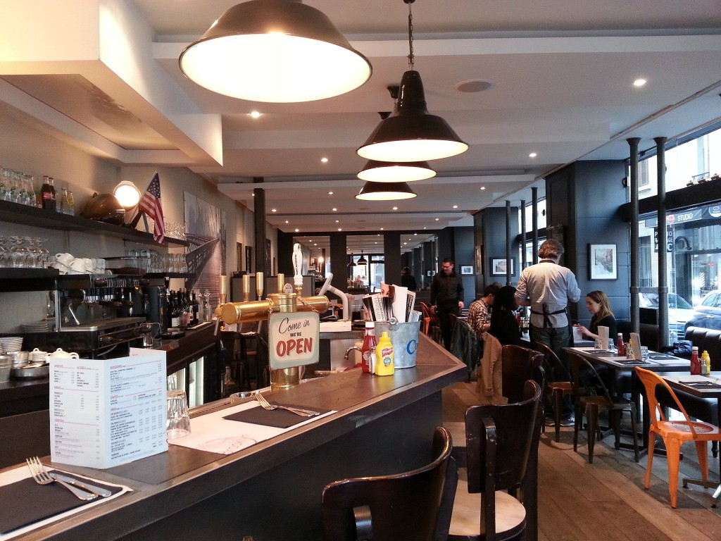 Brooklyn Cafe Paris Salle