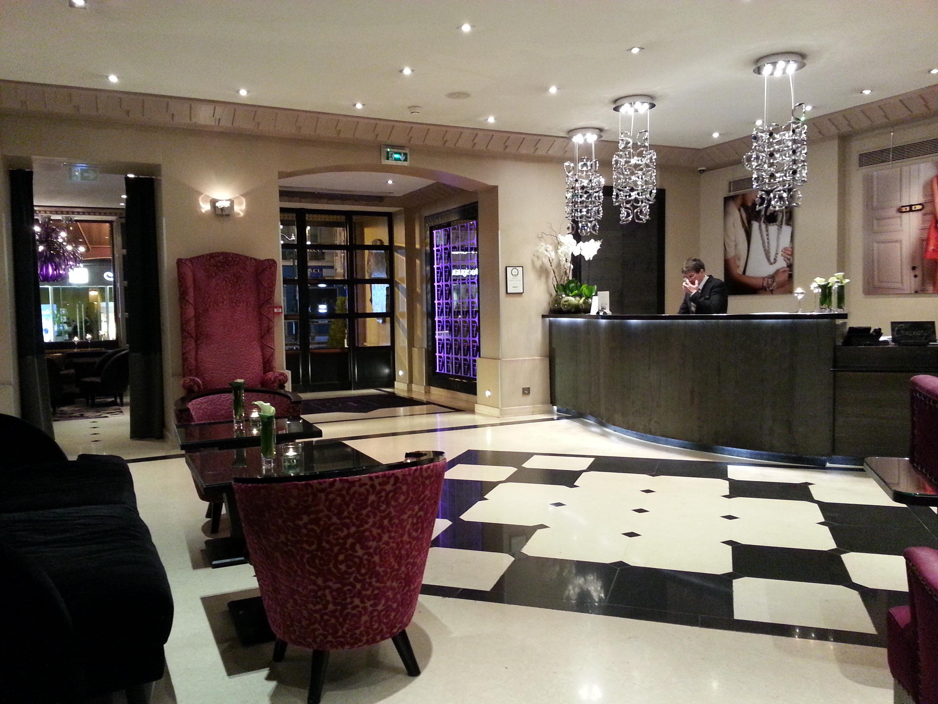 Hotel Edouard 7 lobby