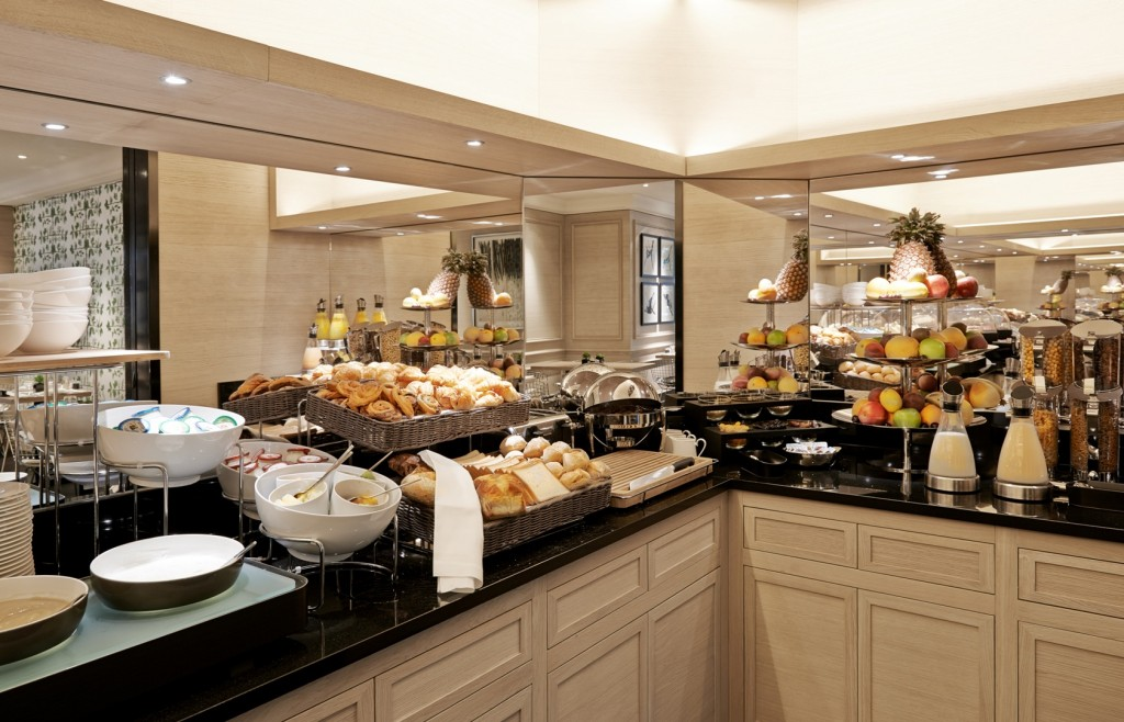 Breakfast Buffet grand hotel du palais royal