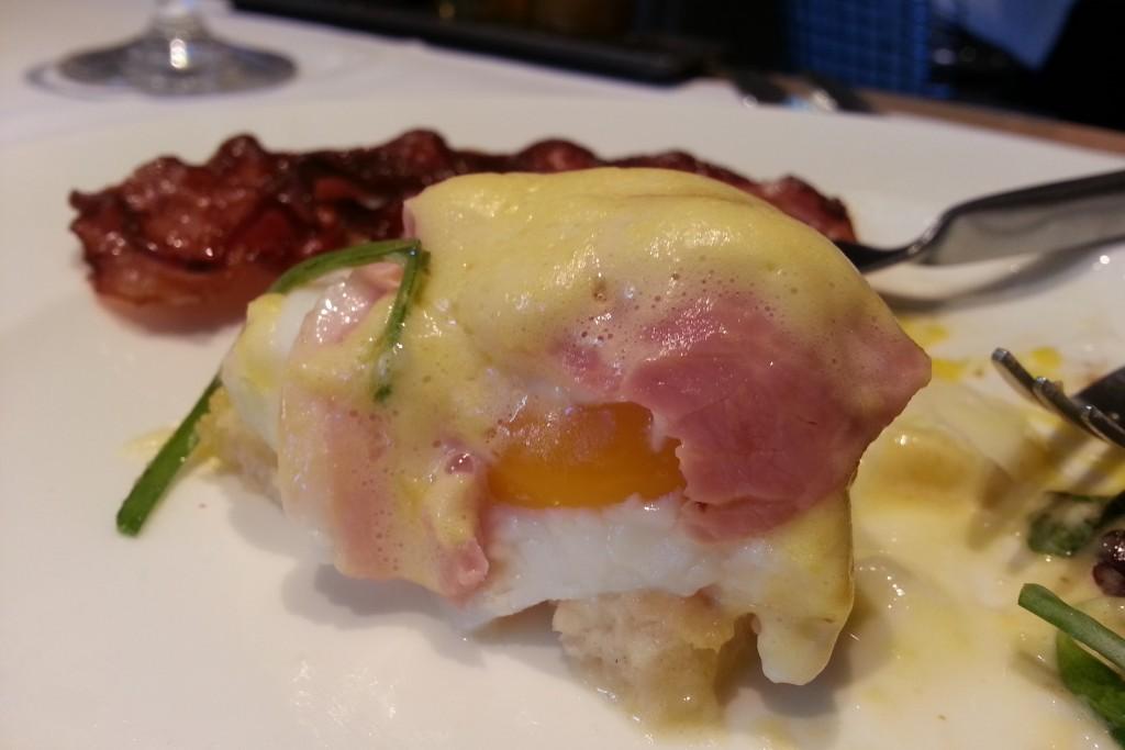 eggs benedict grand hotel du palais royal